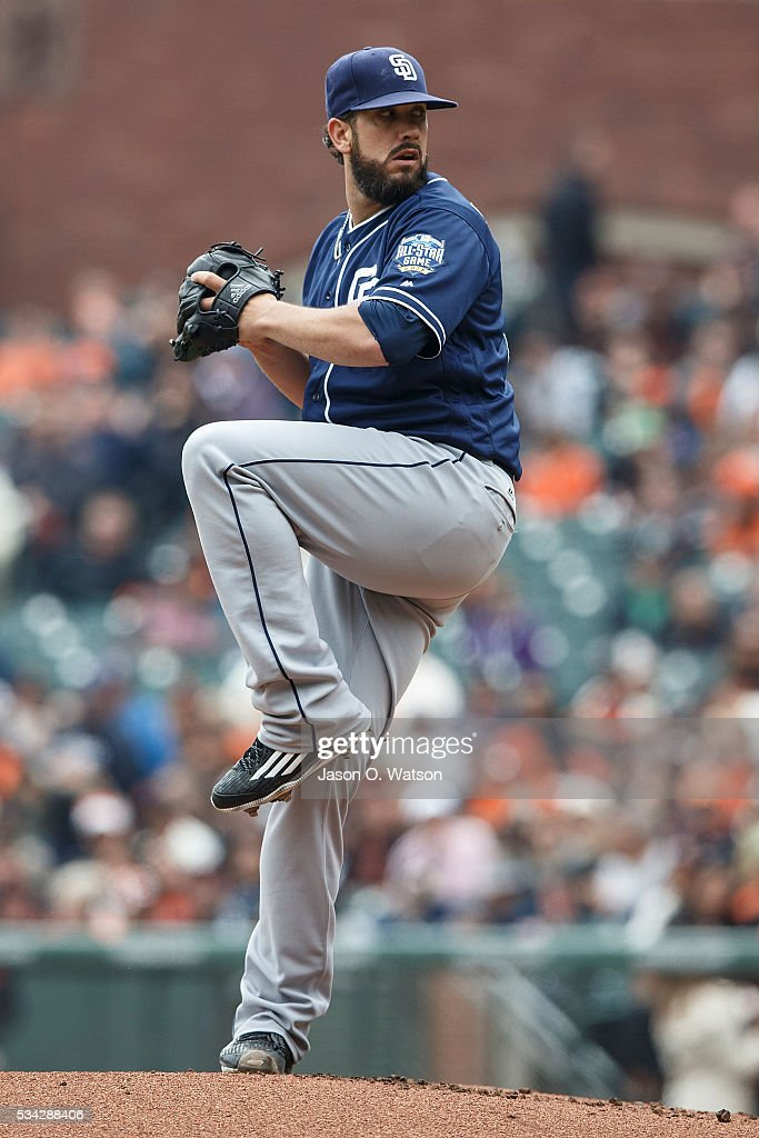 <a gi-track='captionPersonalityLinkClicked' href=/galleries/search?phrase=James+Shields+-+Honkballer&family=editorial&specificpeople=8138267 ng-click='$event.stopPropagation()'>James Shields</a> #33 of the San Diego Padres pitches against the San Francisco Giants during the first inning at AT&T Park on May 25, 2016 in San Francisco, California.