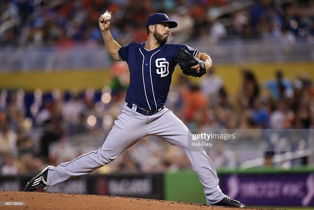 <a gi-track='captionPersonalityLinkClicked' href=/galleries/search?phrase=James+Shields+-+Jugador+de+b%C3%A9isbol&family=editorial&specificpeople=8138267 ng-click='$event.stopPropagation()'>James Shields</a> #33 of the San Diego Padres pitches during the first inning of the game against the Miami Marlins at Marlins Park on August 2, 2015 in Miami, Florida.