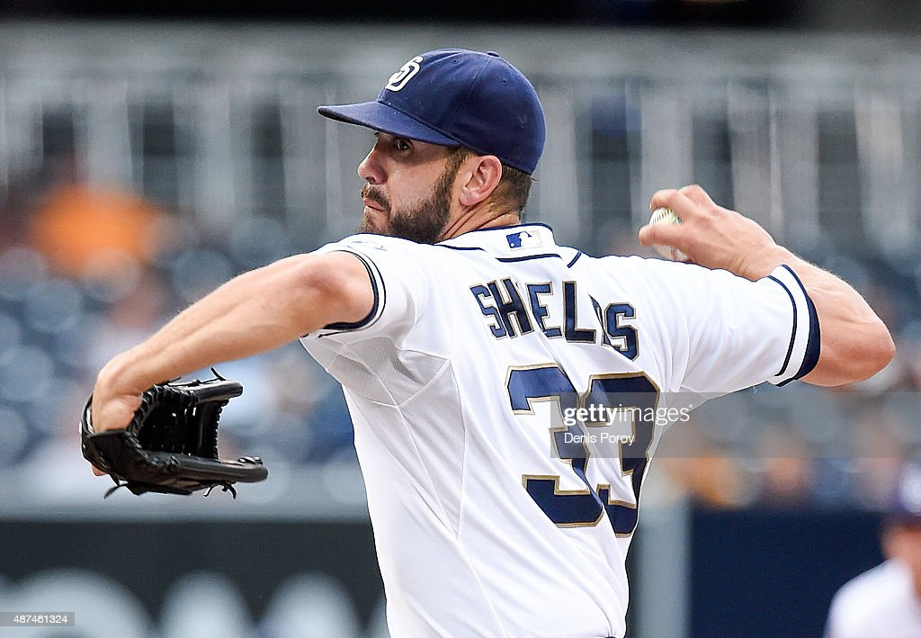 <a gi-track='captionPersonalityLinkClicked' href=/galleries/search?phrase=James+Shields+-+Jugador+de+b%C3%A9isbol&family=editorial&specificpeople=8138267 ng-click='$event.stopPropagation()'>James Shields</a> #33 of the San Diego Padres pitches during the first inning of a baseball game against the Colorado Rockies at Petco Park September 9, 2015 in San Diego, California.