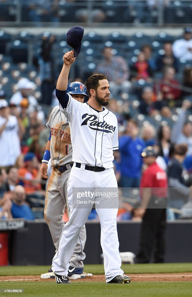 <a gi-track='captionPersonalityLinkClicked' href=/galleries/search?phrase=James+Shields+-+Jogador+de+basebol&family=editorial&specificpeople=8138267 ng-click='$event.stopPropagation()'>James Shields</a> #33 of the San Diego Padres plays during a baseball game against the New York Mets at Petco Park June 3, 2015 in San Diego, California.