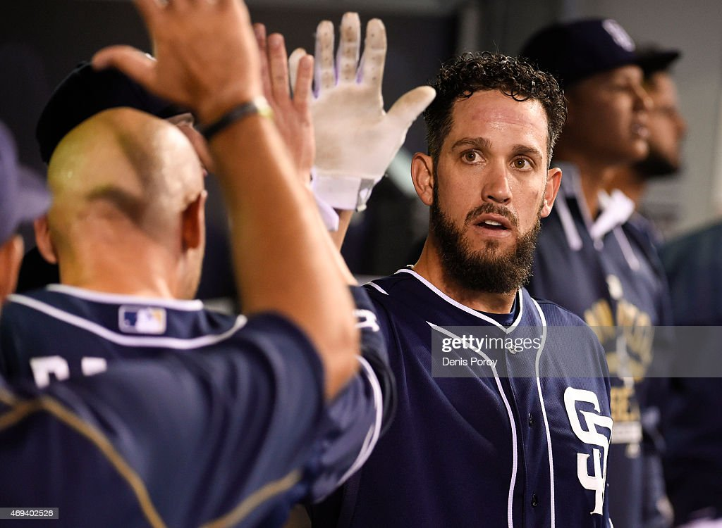 <a gi-track='captionPersonalityLinkClicked' href=/galleries/search?phrase=James+Shields+-+Jogador+de+basebol&family=editorial&specificpeople=8138267 ng-click='$event.stopPropagation()'>James Shields</a> #33 of the San Diego Padres, right, is congratulated in the dugout after scoring during the sixth inning of a baseball game against the San Francisco Giants at Petco Park April 11, 2015 in San Diego, California.