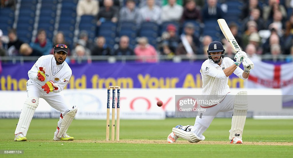<a gi-track='captionPersonalityLinkClicked' href=/galleries/search?phrase=James+Vince&family=editorial&specificpeople=5807286 ng-click='$event.stopPropagation()'>James Vince</a> of England bats during day one of the 2nd Investec Test match between England and Sri Lanka at Emirates Durham ICG on May 27, 2016 in Chester-le-Street, United Kingdom.