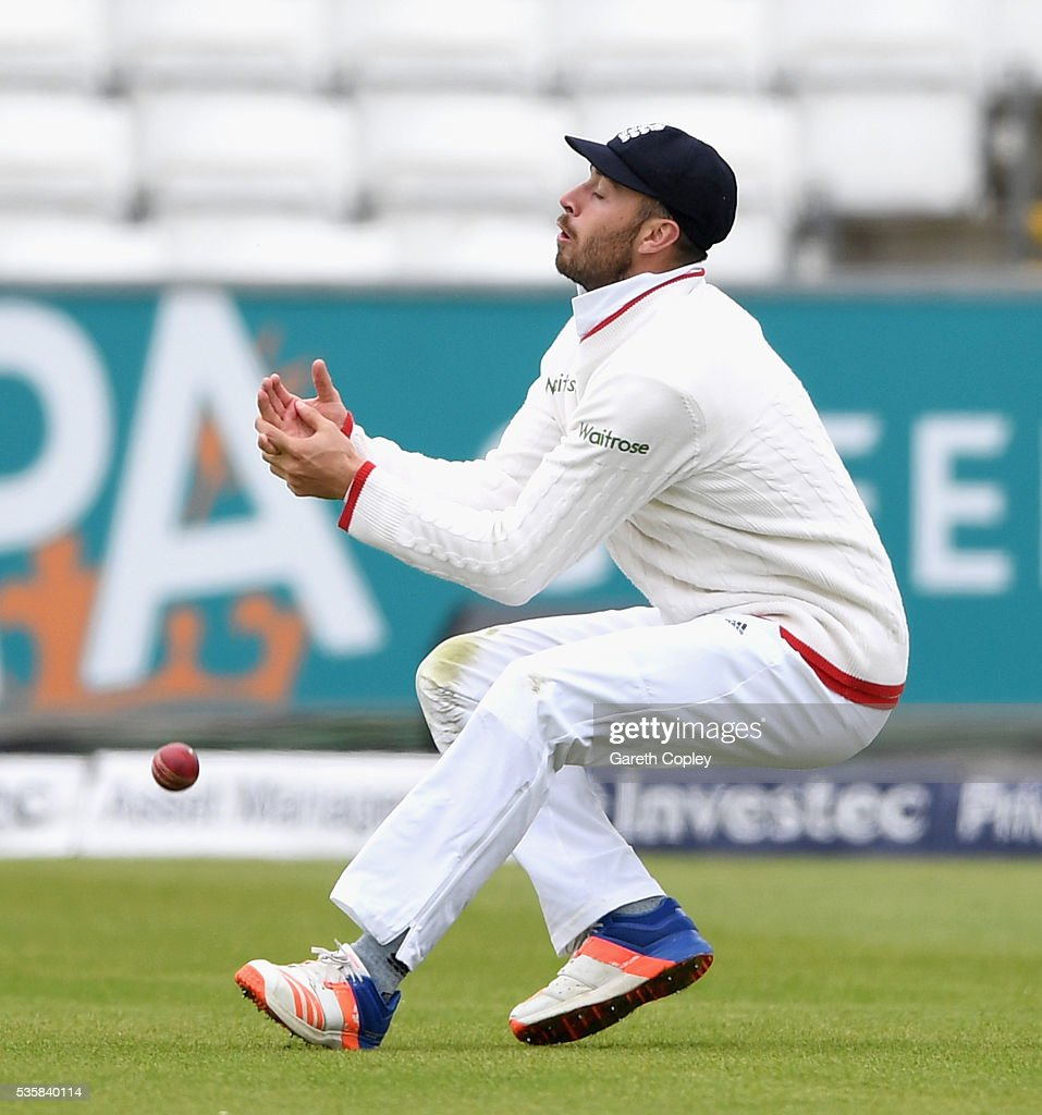 <a gi-track='captionPersonalityLinkClicked' href=/galleries/search?phrase=James+Vince&family=editorial&specificpeople=5807286 ng-click='$event.stopPropagation()'>James Vince</a> of England drops a catch from Rangana Herath of Sri Lanka during day four of the 2nd Investec Test match between England and Sri Lanka at Emirates Durham ICG on May 30, 2016 in Chester-le-Street, United Kingdom.