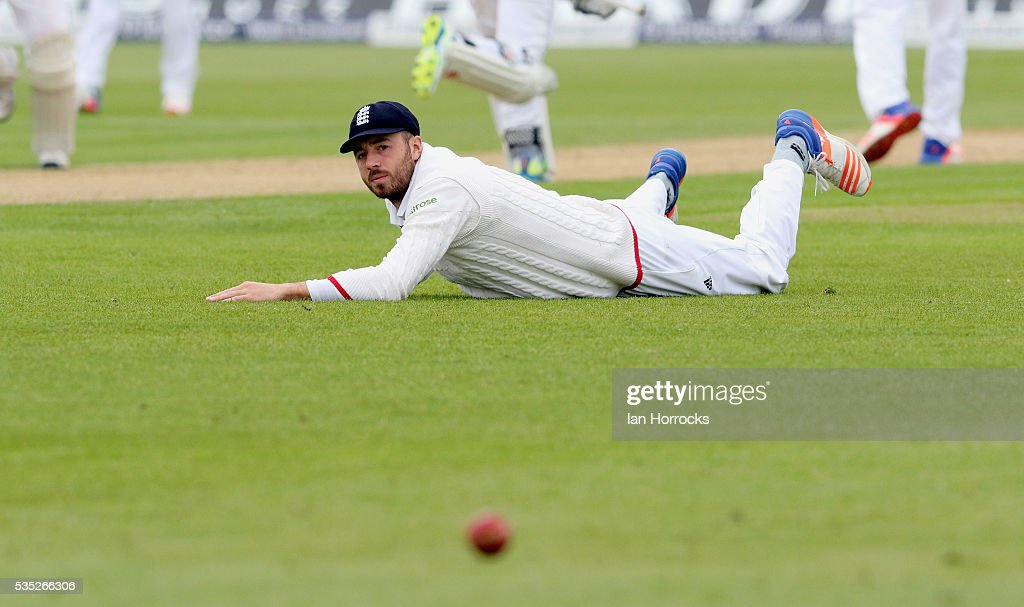 <a gi-track='captionPersonalityLinkClicked' href=/galleries/search?phrase=James+Vince&family=editorial&specificpeople=5807286 ng-click='$event.stopPropagation()'>James Vince</a> of England during day three of the 2nd Investec Test match between England and Sri Lanka at Emirates Durham ICG on May 29, 2016 in Chester-le-Street, United Kingdom.