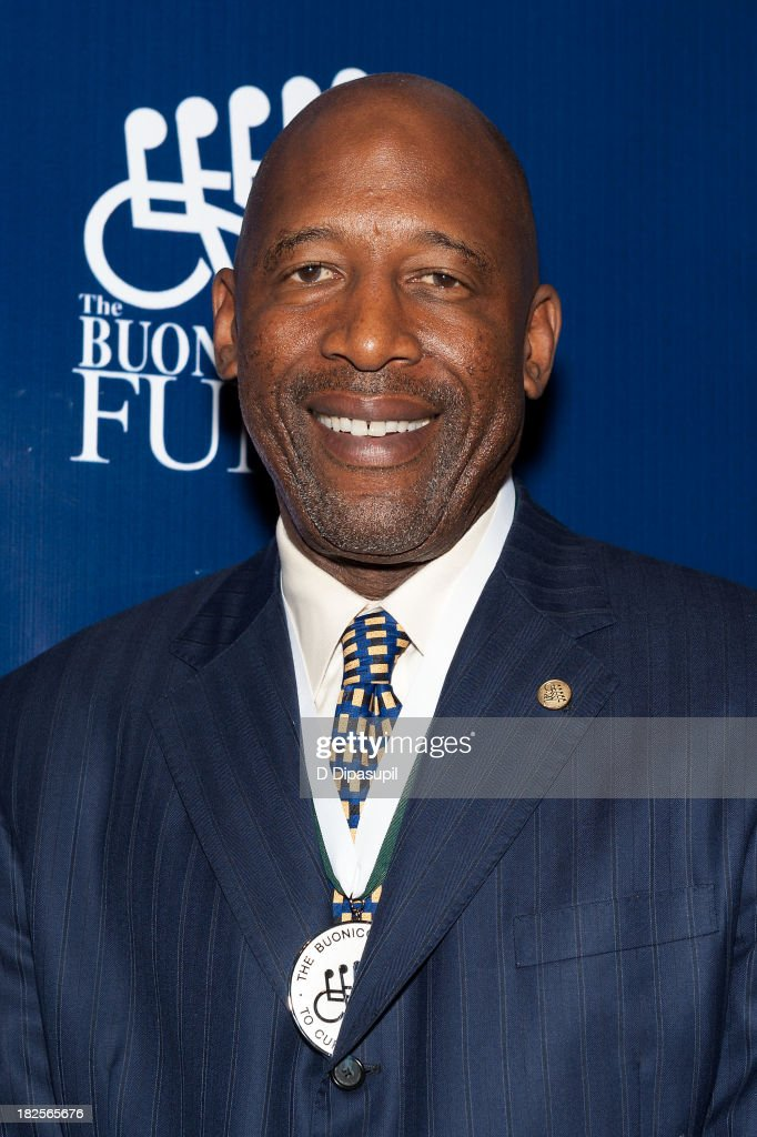 <a gi-track='captionPersonalityLinkClicked' href=/galleries/search?phrase=James+Worthy&family=editorial&specificpeople=212863 ng-click='$event.stopPropagation()'>James Worthy</a> attends the 28th Annual Great Sports Legends Dinner to Benefit The Buoniconti Fund To Cure Paralysis at The Waldorf=Astoria on September 30, 2013 in New York City.