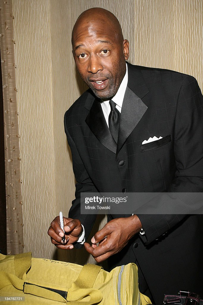 how tall is james worthy