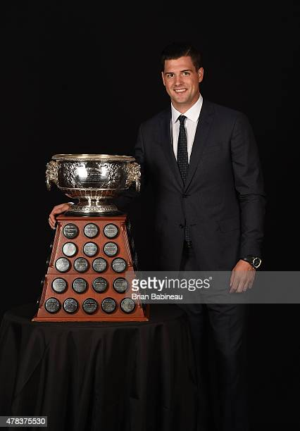 Jamie Benn of the Dallas Stars poses with the Art Ross Trophy during the 2015 NHL Awards at the MGM Grand Garden Arena on June 24 2015 in Las Vegas...