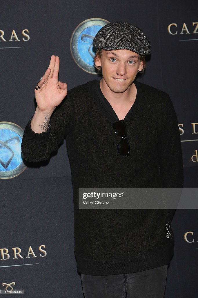 <a gi-track='captionPersonalityLinkClicked' href=/galleries/search?phrase=Jamie+Campbell+Bower&family=editorial&specificpeople=4586724 ng-click='$event.stopPropagation()'>Jamie Campbell Bower</a> attends 'The Mortal Instruments: City of Bones' Mexico City photocall at St Regis Hotel on August 26, 2013 in Mexico City, Mexico.