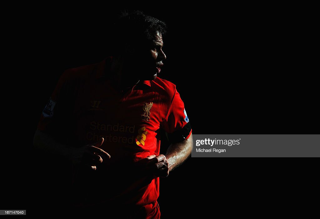<a gi-track='captionPersonalityLinkClicked' href=/galleries/search?phrase=Jamie+Carragher&family=editorial&specificpeople=206485 ng-click='$event.stopPropagation()'>Jamie Carragher</a> of Liverpool gives instructions during the Barclays Premier League match between Liverpool and Chelsea at Anfield on April 21, 2013 in Liverpool, England.