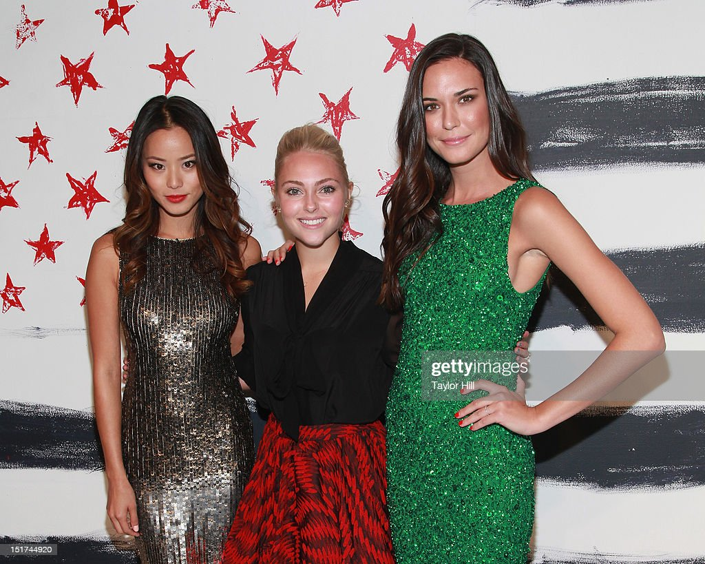<a gi-track='captionPersonalityLinkClicked' href=/galleries/search?phrase=Jamie+Chung&family=editorial&specificpeople=4145549 ng-click='$event.stopPropagation()'>Jamie Chung</a>, <a gi-track='captionPersonalityLinkClicked' href=/galleries/search?phrase=AnnaSophia+Robb&family=editorial&specificpeople=674007 ng-click='$event.stopPropagation()'>AnnaSophia Robb</a>, and Odette Annable attend the Alice + Olivia By Stacey Bendet Spring 2013 Mercedes-Benz Fashion Week Show at Century 548 on September 10, 2012 in New York City.