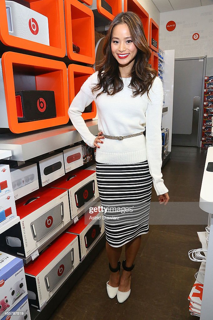 <a gi-track='captionPersonalityLinkClicked' href=/galleries/search?phrase=Jamie+Chung&family=editorial&specificpeople=4145549 ng-click='$event.stopPropagation()'>Jamie Chung</a> attends the Charlotte Ronson Holiday Party At RadioShack Pop-Up Store in Times Square on December 12, 2013 in New York City.