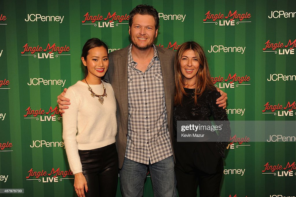 <a gi-track='captionPersonalityLinkClicked' href=/galleries/search?phrase=Jamie+Chung&family=editorial&specificpeople=4145549 ng-click='$event.stopPropagation()'>Jamie Chung</a>, <a gi-track='captionPersonalityLinkClicked' href=/galleries/search?phrase=Blake+Shelton&family=editorial&specificpeople=2352026 ng-click='$event.stopPropagation()'>Blake Shelton</a> and <a gi-track='captionPersonalityLinkClicked' href=/galleries/search?phrase=Nina+Garcia&family=editorial&specificpeople=592222 ng-click='$event.stopPropagation()'>Nina Garcia</a> attend a surprise holiday event and performance by <a gi-track='captionPersonalityLinkClicked' href=/galleries/search?phrase=Blake+Shelton&family=editorial&specificpeople=2352026 ng-click='$event.stopPropagation()'>Blake Shelton</a>, with the USO Show Troupe, virtual carolers and spectacular 3D projection mapping over the Manhattan Mall courtesy of JCPenney on December 19, 2013 at Greely Square Park in New York City.