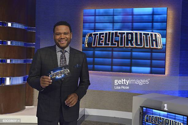 TRUTH Jamie Chung Cedric the Entertainer Iliza Shlesinger and Ross Mathews make up the celebrity panel on 'To Tell The Truth' Episode 212 SUNDAY...