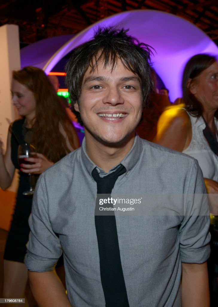 <a gi-track='captionPersonalityLinkClicked' href=/galleries/search?phrase=Jamie+Cullum&family=editorial&specificpeople=171467 ng-click='$event.stopPropagation()'>Jamie Cullum</a> attends 'Deutscher Radiopreis' at Schuppen 52 on September 5, 2013 in Hamburg, Germany.