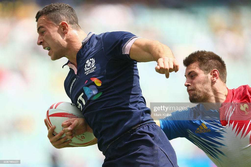 Jamie Farndale of Scotland breaks away to score a try during the 2016 Sydney Sevens bowl quarter final match between Scotland and France at Allianz Stadium on February 7, 2016 in Sydney, Australia.