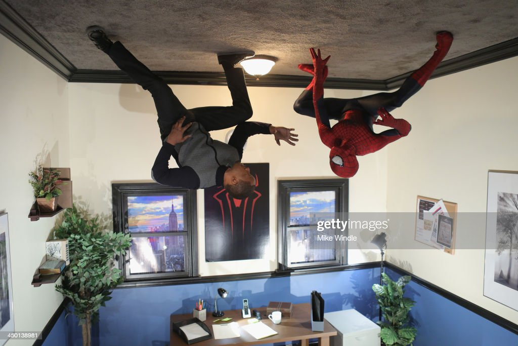 <a gi-track='captionPersonalityLinkClicked' href=/galleries/search?phrase=Jamie+Foxx&family=editorial&specificpeople=201715 ng-click='$event.stopPropagation()'>Jamie Foxx</a> and Spiderman attend 'The Amazing Spiderman' fan event at Sony Pictures Studios on November 16, 2013 in Culver City, California.