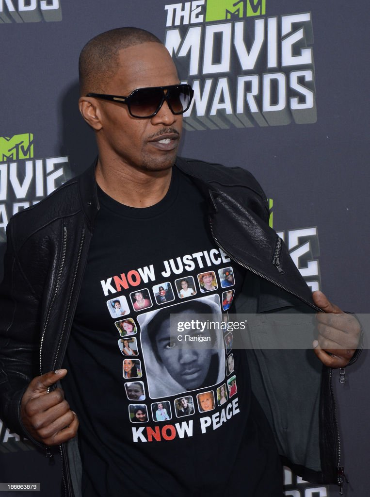 <a gi-track='captionPersonalityLinkClicked' href=/galleries/search?phrase=Jamie+Foxx&family=editorial&specificpeople=201715 ng-click='$event.stopPropagation()'>Jamie Foxx</a> arrives at the 2013 MTV Movie Awards at Sony Pictures Studios on April 14, 2013 in Culver City, California.