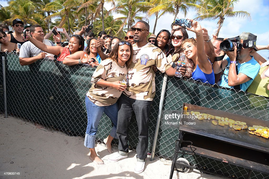 <a gi-track='captionPersonalityLinkClicked' href=/galleries/search?phrase=Jamie+Foxx&family=editorial&specificpeople=201715 ng-click='$event.stopPropagation()'>Jamie Foxx</a> attends Chefs + Models Volleyball Tournament during the Food Network South Beach Wine & Food Festival on February 20, 2014 in Miami, Florida.