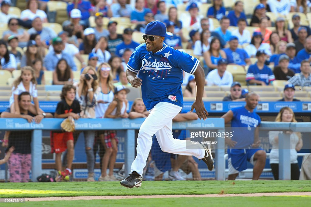 Jamie Foxx attends the Hollywood Stars game at Dodger Stadium on August 27 2016 in Los Angeles California
