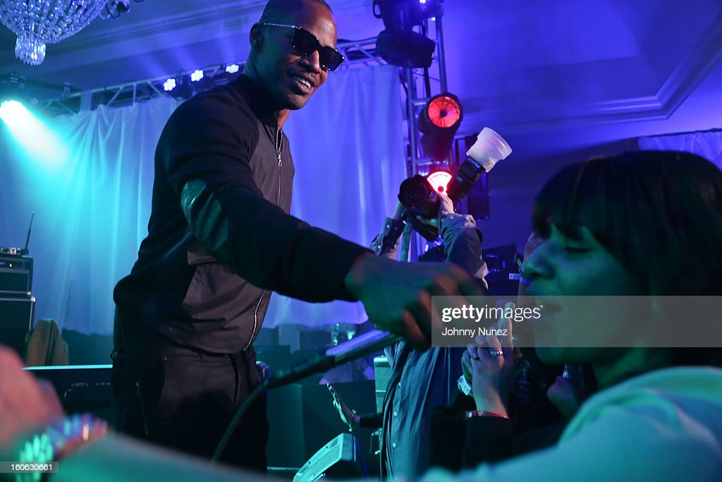 <a gi-track='captionPersonalityLinkClicked' href=/galleries/search?phrase=Jamie+Foxx&family=editorial&specificpeople=201715 ng-click='$event.stopPropagation()'>Jamie Foxx</a> performs at The Pepsi 5th Quarter on February 3, 2013 in New Orleans, Louisiana.