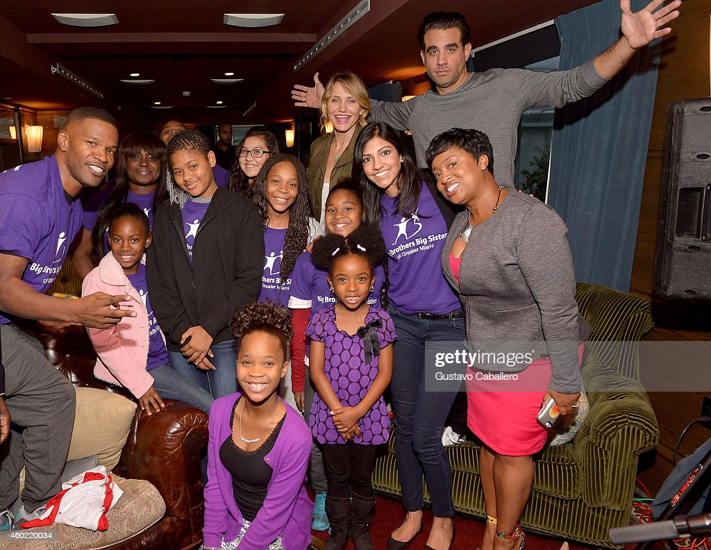 Round Table Special Jamie Foxx Hosts A Roundtable Special With The Cast Of Annie On