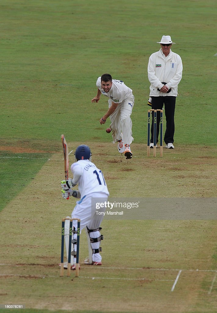 Jamie Harrison of Durham bowling to <a gi-track='captionPersonalityLinkClicked' href=/galleries/search?phrase=Shivnarine+Chanderpaul&family=editorial&specificpeople=206755 ng-click='$event.stopPropagation()'>Shivnarine Chanderpaul</a> of Derbyshire during the LV County Championship match between Derbyshire and Durham at The County Ground on September 12, 2013 in Derby, England.