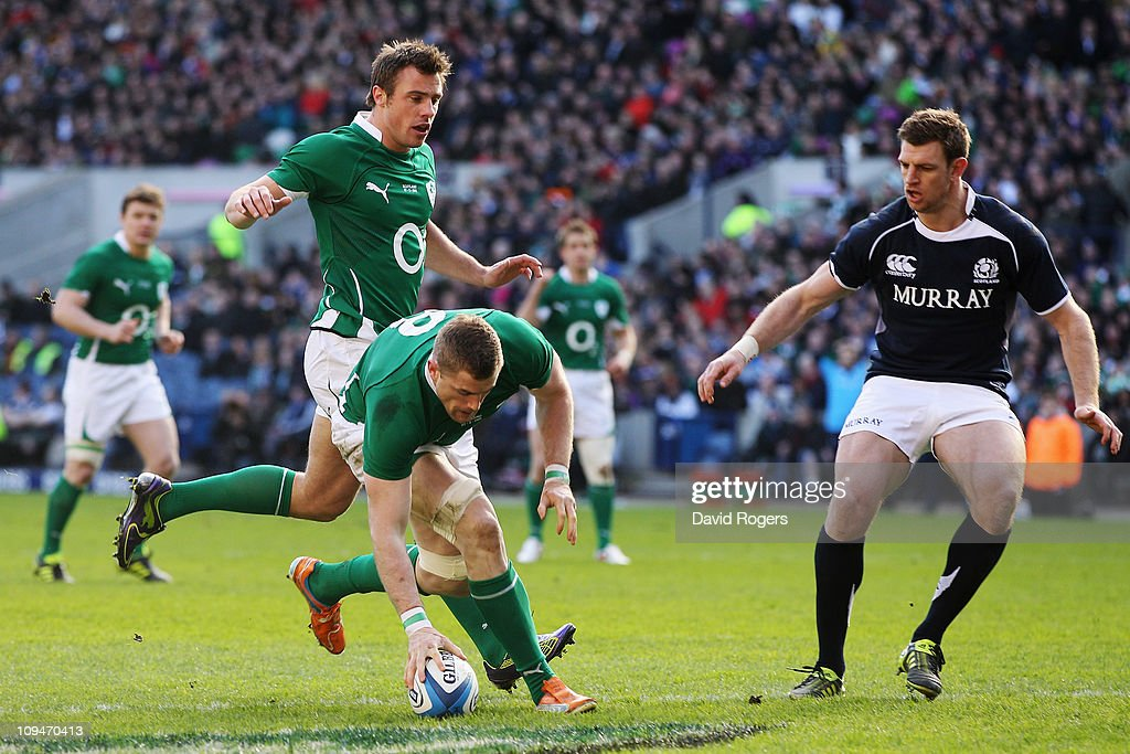 Jamie Heaslip of Ireland scores a try during the RBS 6 Nations Championship match between Scotland and Ireland at Murrayfield on February 27 2011 in...