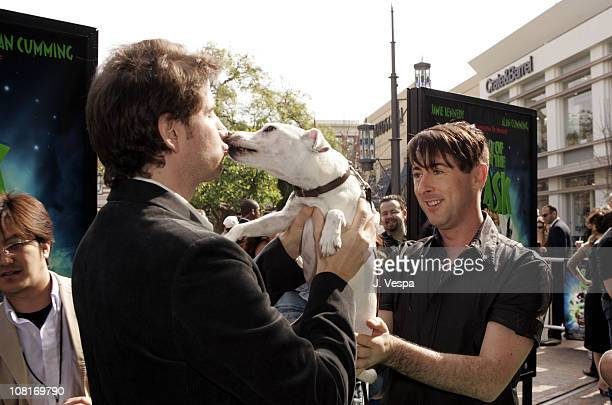 otis the dog son of the mask. jamie kennedy alan cumming and otis the dog during son of mask los angeles premiere