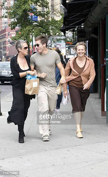 Jamie Lee Curtis and Jake Gyllenhaal during Jake Gyllenhaal and Jamie Lee Curtis Sighting in New York City September 27 2006 in New York City New...