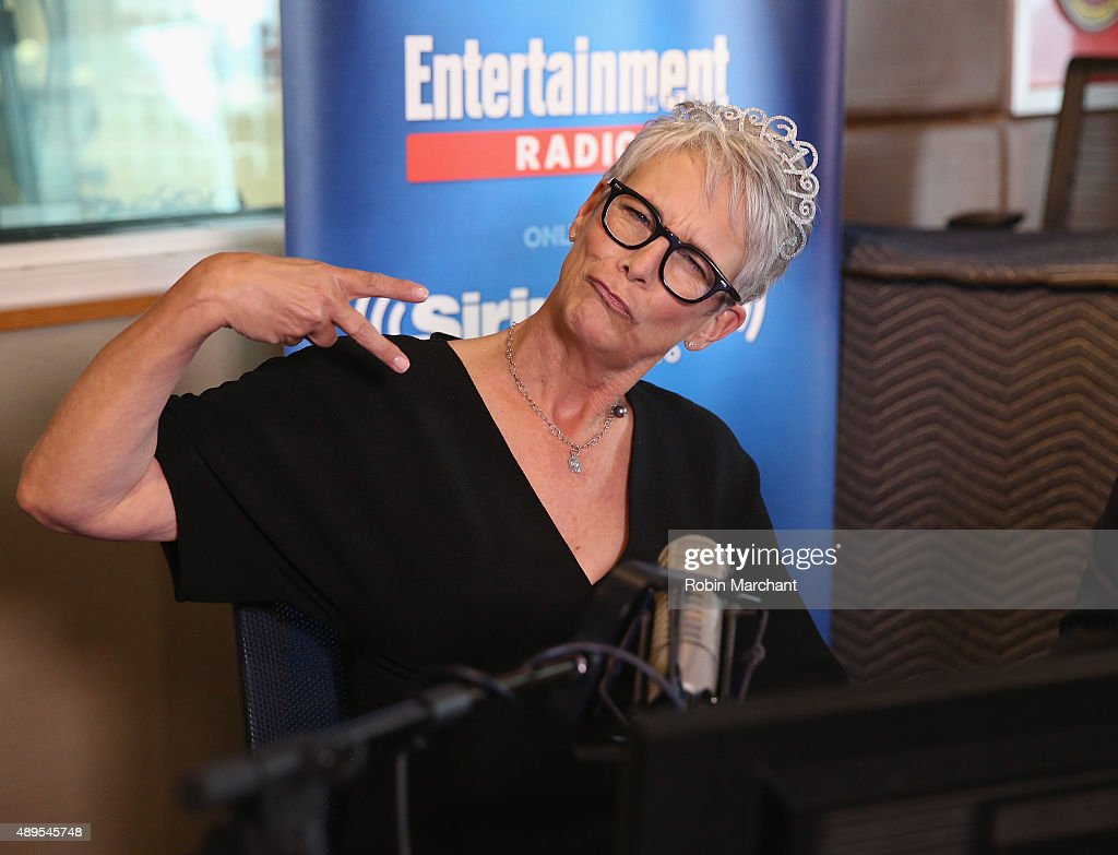 Jamie Lee Curtis visits SiriusXM's Entertainment Weekly Radio 'Editor's Hour' with Jess Cagle, host of Entertainment Weekly Radio at SiriusXM Studios on September 22, 2015 in New York City.