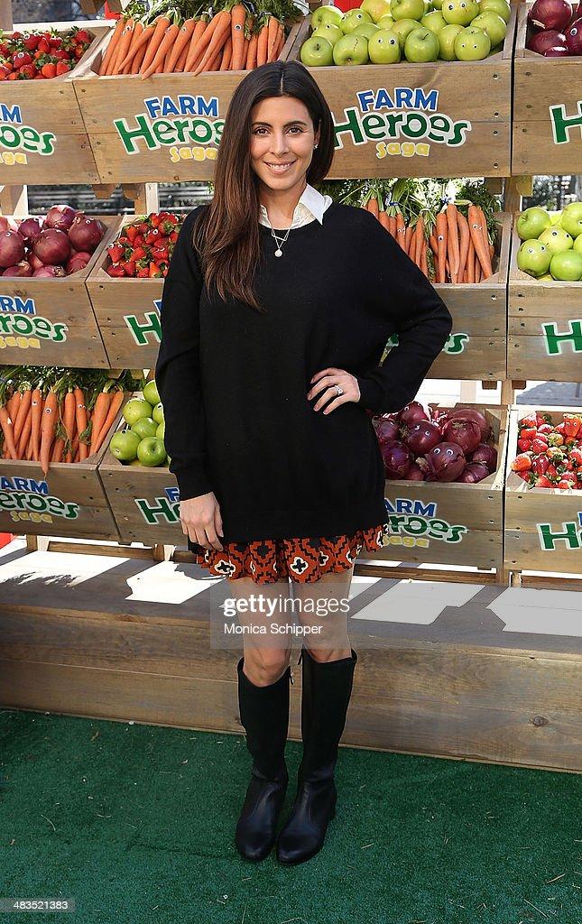 Jamie Lynn Sigler attends Farm Heroes Saga's Urban Farm Experience at Flatiron Pedestrian Plaza on April 9, 2014 in New York City.