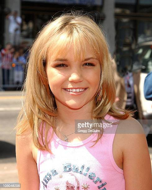 Jamie Lynn Spears during 'Spy Kids 2 The Island Of Lost Dreams' Premiere at Grauman's Chinese Theatre in Hollywood California United States
