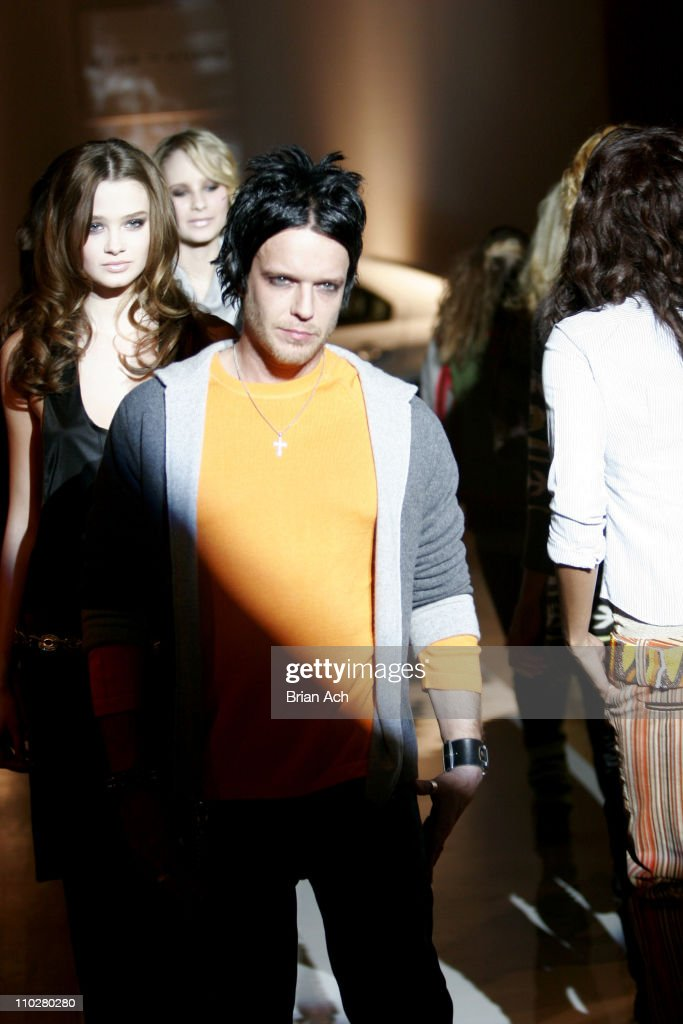 Olympus Fashion Week Fall 2006 - Alice + Olivia - Runway