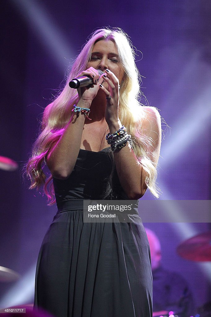 Jamie McDell performs on stage during the New Zealand Music Awards at Vector on November 21, 2013 in Auckland, New Zealand.