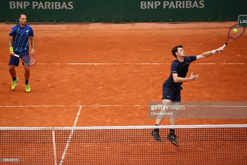 <a gi-track='captionPersonalityLinkClicked' href=/galleries/search?phrase=Jamie+Murray+-+Tennis+Player&family=editorial&specificpeople=4393751 ng-click='$event.stopPropagation()'>Jamie Murray</a> of Great Britain and <a gi-track='captionPersonalityLinkClicked' href=/galleries/search?phrase=Bruno+Soares+-+Tennis+Player&family=editorial&specificpeople=11650044 ng-click='$event.stopPropagation()'>Bruno Soares</a> of Brasil in action during the Men's Doubles third round match against Marcin Matkowski of poland and Leander Paes of India on day eight of the 2016 French Open at Roland Garros on May 29, 2016 in Paris, France.
