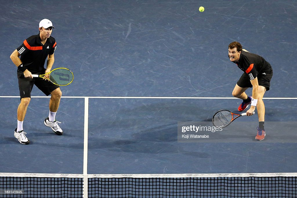 Jamie Murray of Great Britain (R) and <a gi-track='captionPersonalityLinkClicked' href=/galleries/search?phrase=John+Peers&family=editorial&specificpeople=9486129 ng-click='$event.stopPropagation()'>John Peers</a> of Australia in action during men's doubles semi final match against Julian Knowle of Austria and Jurgen Melzer of Austria during day six of the Rakuten Open at Ariake Colosseum on October 5, 2013 in Tokyo, Japan.