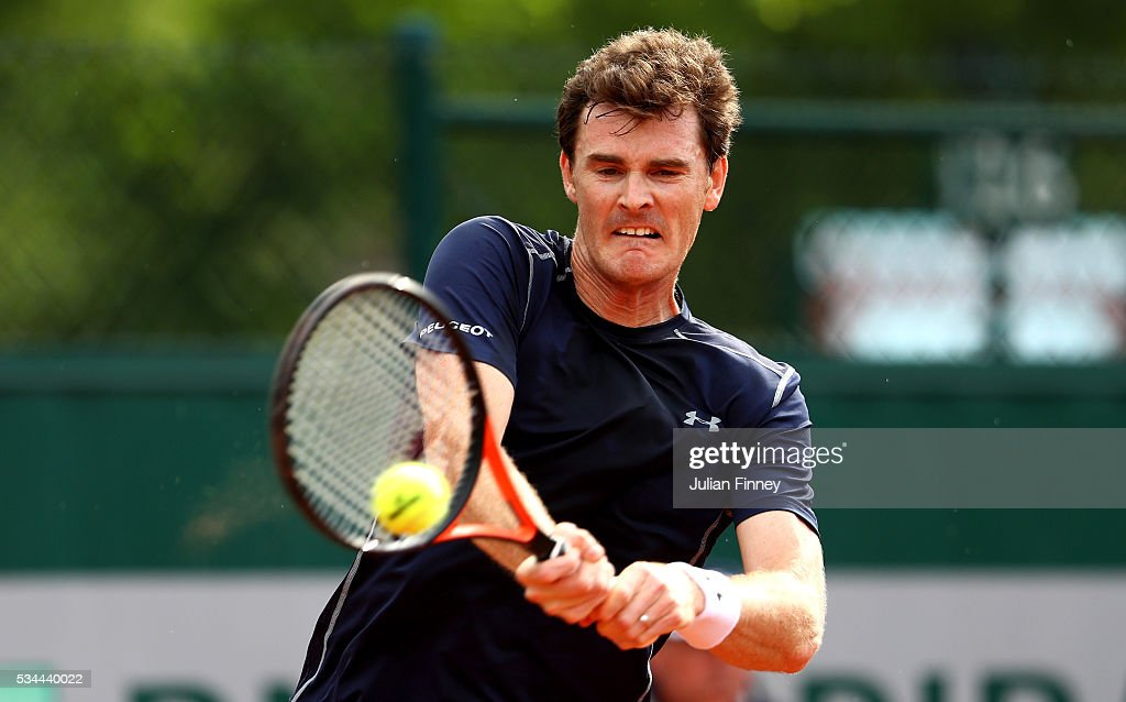 <a gi-track='captionPersonalityLinkClicked' href=/galleries/search?phrase=Jamie+Murray+-+Tennisspieler&family=editorial&specificpeople=4393751 ng-click='$event.stopPropagation()'>Jamie Murray</a> of Great Britain hits a forehand during the Mixed Doubles first round match against Daria Gavrilova and John Peers of Australia on day five of the 2016 French Open at Roland Garros on May 26, 2016 in Paris, France.