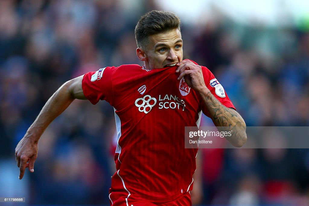 Jamie Paterson of Bristol City celebrates after scoring his team's second goal during the Sky Bet Championship match between Bristol City and Nottingham Forest at Ashton Gate on October 1, 2016 in Bristol, England.