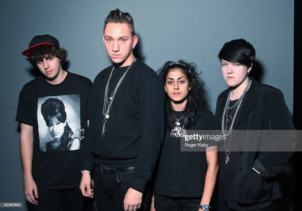 Jamie Smith Oliver Sim Baria Qureshi and Romy MadleyCroft of the xx pose for a portrait backstage at the Apple Store Soho on October 22 2009 in New...