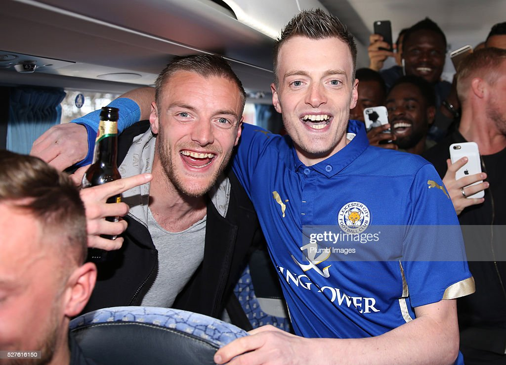 <a gi-track='captionPersonalityLinkClicked' href=/galleries/search?phrase=Jamie+Vardy&family=editorial&specificpeople=8695606 ng-click='$event.stopPropagation()'>Jamie Vardy</a> lookalike <a gi-track='captionPersonalityLinkClicked' href=/galleries/search?phrase=Lee+Chapman&family=editorial&specificpeople=2001724 ng-click='$event.stopPropagation()'>Lee Chapman</a> joins <a gi-track='captionPersonalityLinkClicked' href=/galleries/search?phrase=Jamie+Vardy&family=editorial&specificpeople=8695606 ng-click='$event.stopPropagation()'>Jamie Vardy</a> and the Leicester City team on their way to a Premier League title celebration dinner on May 3, 2016 in Leicester, England.