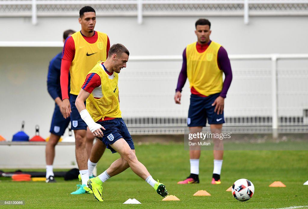 <a gi-track='captionPersonalityLinkClicked' href=/galleries/search?phrase=Jamie+Vardy&family=editorial&specificpeople=8695606 ng-click='$event.stopPropagation()'>Jamie Vardy</a> of England passes the ball during a training session ahead of the UEFA Euro 2016 match against Iceland at Stade du Bourgognes on June 26, 2016 in Chantilly, France.
