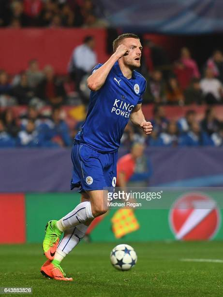 Jamie Vardy of Leicester City celebrates after scoring his side's first goal during the UEFA Champions League Round of 16 first leg match between...