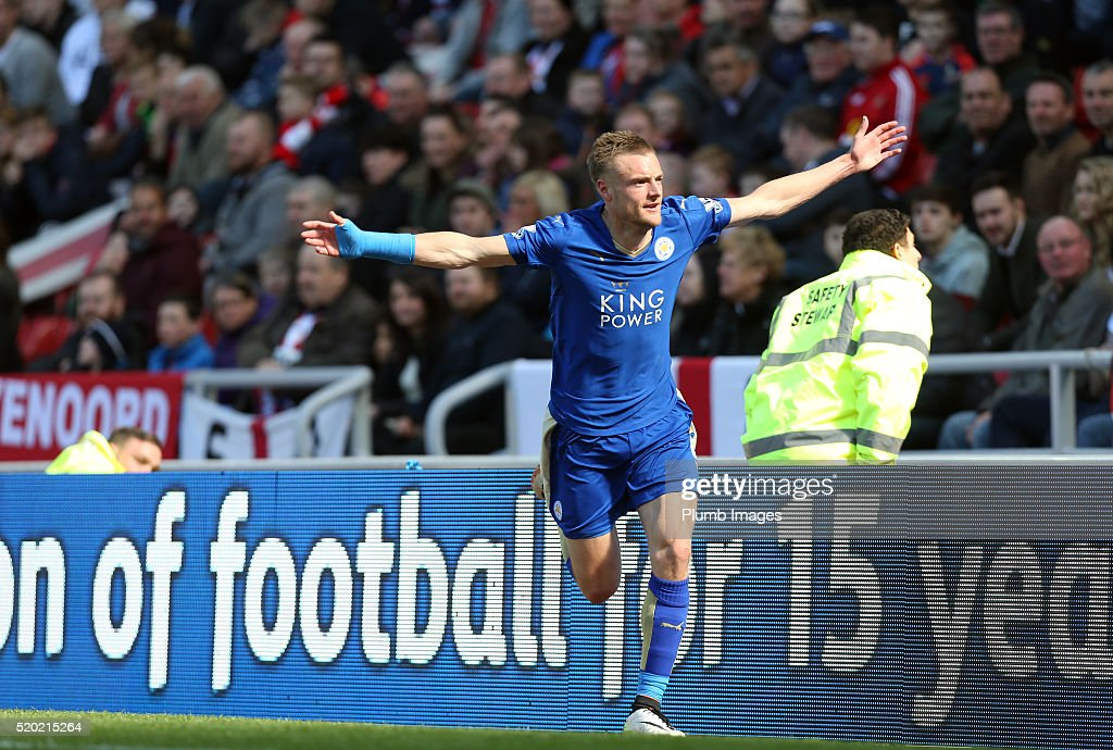 Jamie Vardy of Leicester City celebrates after scoring to make it 0-1 during the Premier League match between Sunderland and Leicester City at the Stadium of Light on April 10, 2016 in Sunderland, United Kingdom.