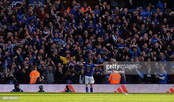 Jamie Vardy of Leicester City celebrates infront of the Leicester fans after scoring the winning goal during the Barclays Premier League match...