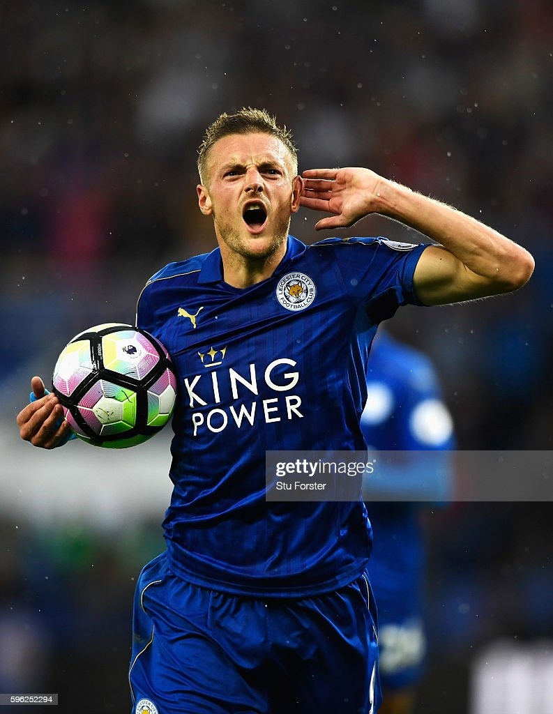 Jamie Vardy of Leicester City celebrates scoring his sides first goal during the Premier League match between Leicester City and Swansea City at The King Power Stadium on August 27, 2016 in Leicester, England.