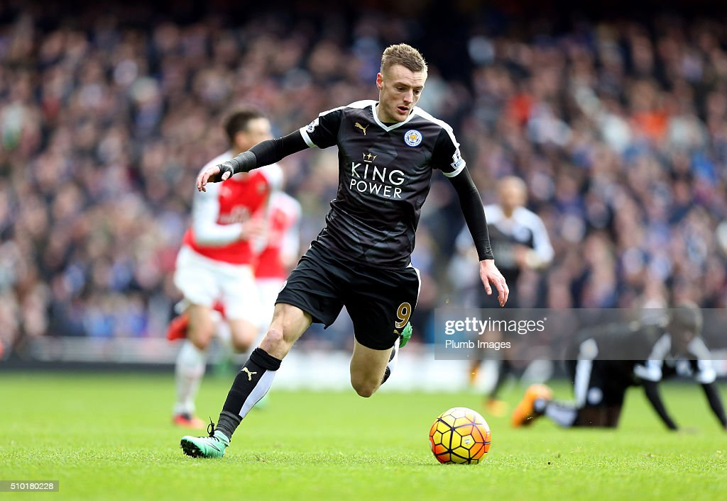 <a gi-track='captionPersonalityLinkClicked' href=/galleries/search?phrase=Jamie+Vardy&family=editorial&specificpeople=8695606 ng-click='$event.stopPropagation()'>Jamie Vardy</a> of Leicester City has time on the ball during the Premier League match between Arsenal and Leicester City at Emirates Stadium on February 14, 2016 in London, United Kingdom.
