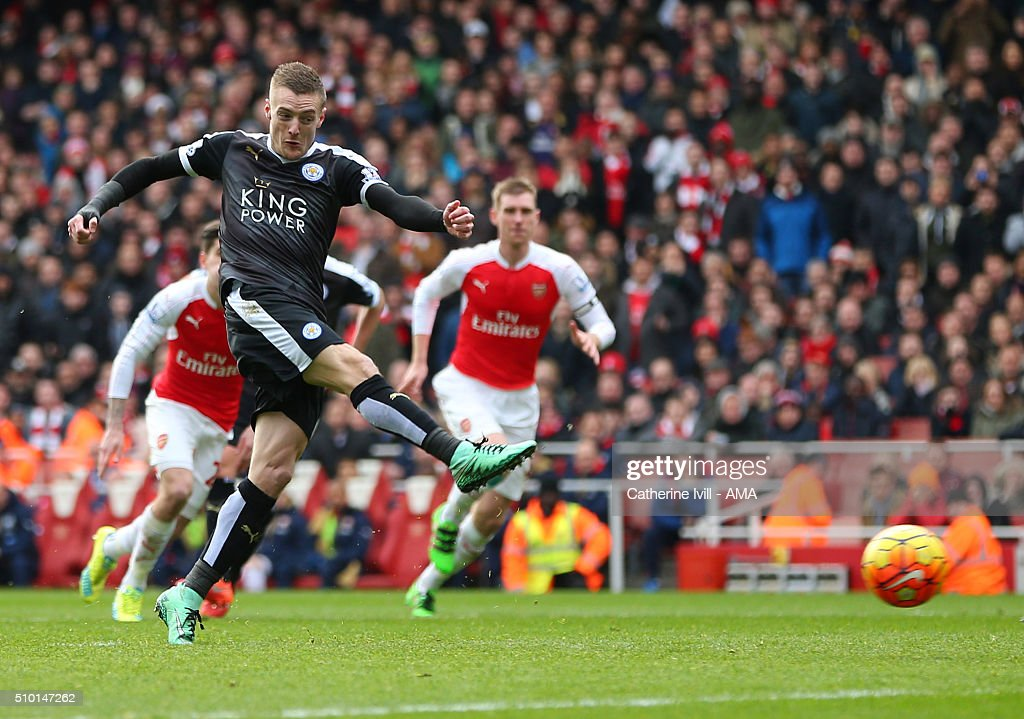 Jamie Vardy of Leicester City scores a penalty goal to make it 0 -1 during the Barclays Premier League match between Arsenal and Leicester City at the Emirates Stadium on February 14, 2016 in London, England.