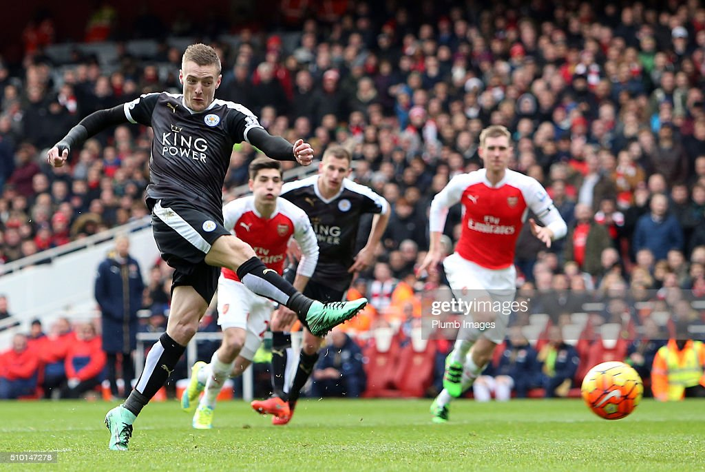 Jamie Vardy of Leicester City scores from the penalty spot to make it 0-1 during the Premier League match between Arsenal and Leicester City at Emirates Stadium on February 14, 2016 in London, United Kingdom.
