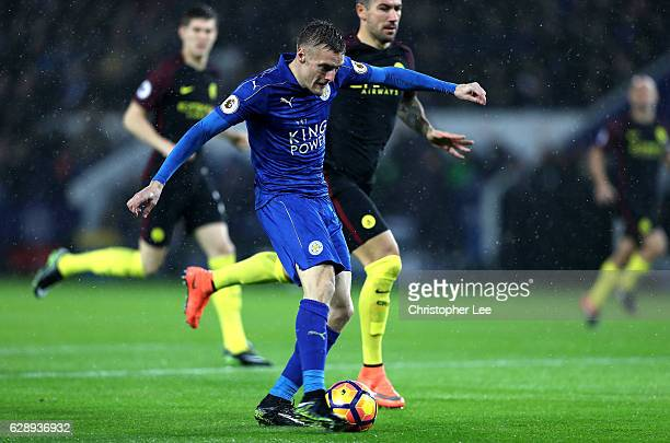 Jamie Vardy of Leicester City scores his sides first goal during the Premier League match between Leicester City and Manchester City at the King...