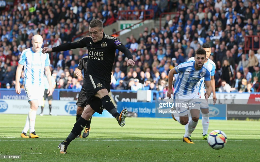 Jamie Vardy of Leicester City scores his sides first goal from the penalty spot during the Premier League match between Huddersfield Town and Leicester City at John Smith's Stadium on September 16, 2017 in Huddersfield, England.